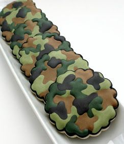 The Sweet Adventures of Sugarbelle: How to Make Camouflage Print on Cookies