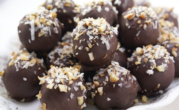 Van gecondenseerde melk, chocolade, cognac en noten maak je vrij eenvoudig Chocolade Cognac Truffels!