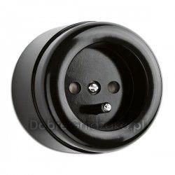 Bakelit, electrical outlet Cost: 98PLN http://www.dobregniazdka.pl/asortyment/thpg/gniazdo-z-u-natynkowe-thpg/4335