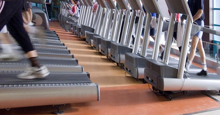 Pulso promedio de ejercicio normal para hombres en una cinta de correr. Dadas todas la variables, encontrar el promedio del pulso correcto para una persona que corre en una cinta puede ser de algún modo una aventura. Con una comprensión adecuada de tu fisiología, nivel atlético total, estado de salud y el tipo de entrenamiento que hagas, deberías poder calcular el nivel de tu esfuerzo y si estás en una zona de ritmo ...