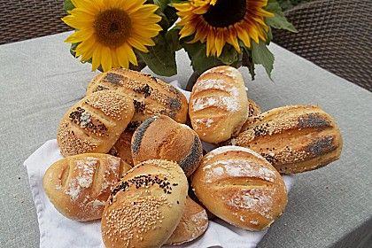 Die schnellsten Brötchen der Welt, ein sehr schönes Rezept aus der Kategorie Brot und Brötchen. Bewertungen: 561. Durchschnitt: Ø 4,3.