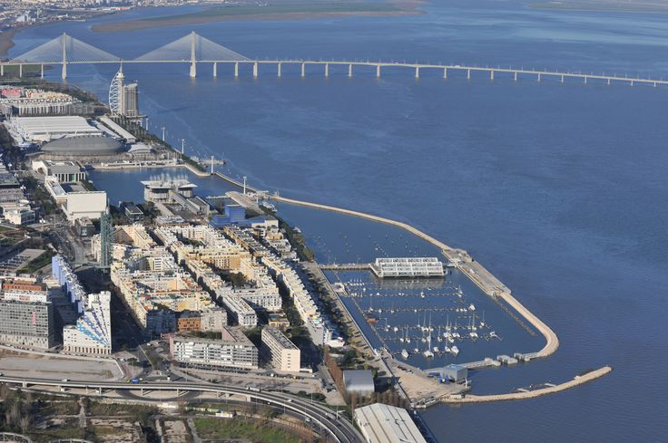 The Marina Parque das Nações situated in the heart of Expo, a cosmopolitan area typical of an European capital, with easy access to the old town of Lisbon!