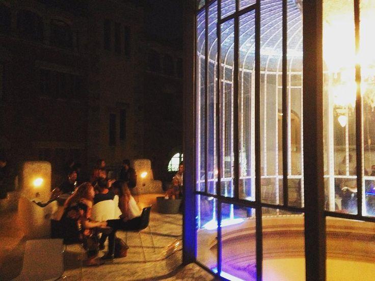 #Aboutlastnight en nuestra terraza... Disfrutando de las últimos días de verano... #elpalauetlivingbarcelona #terraza #popupbar #barcelona #ultimosdiasdeverano