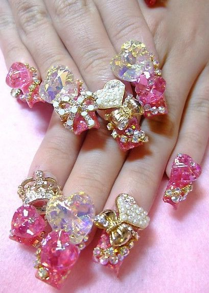 Golden heart nails