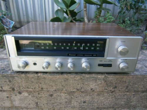 Vintage-Sansui-Receiver-Amplifier-331