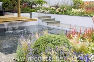 Tuinen Engeland / Gardens England  Cater Allen Garden  Vijver met waterval / Pond  Des.: Jamie Dunstan  Tatton Park Flower Show