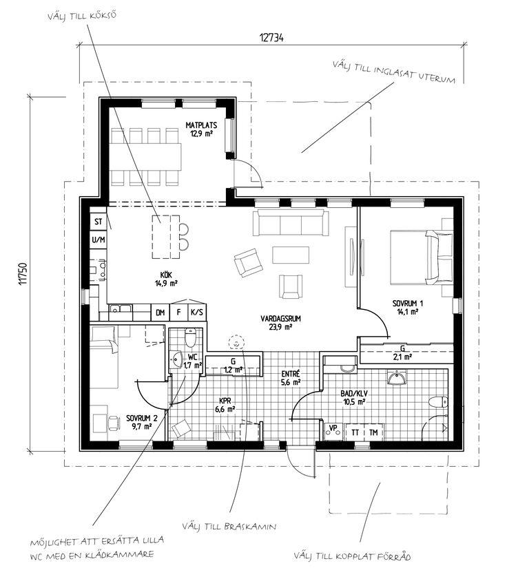 Ett något större hus att trivas länge i. Kök och matplats i vinkel ger trivsamma gemensamhetsutrymmen med god kommunikation. Generöst tilltagna ytor i badrum/klädvård och en härlig öppen planlösning i kök/vardagsrumsdelen. Som tillval finns bland annat ryggåstak, inglasat uterum och förråd på framsidan av huset.