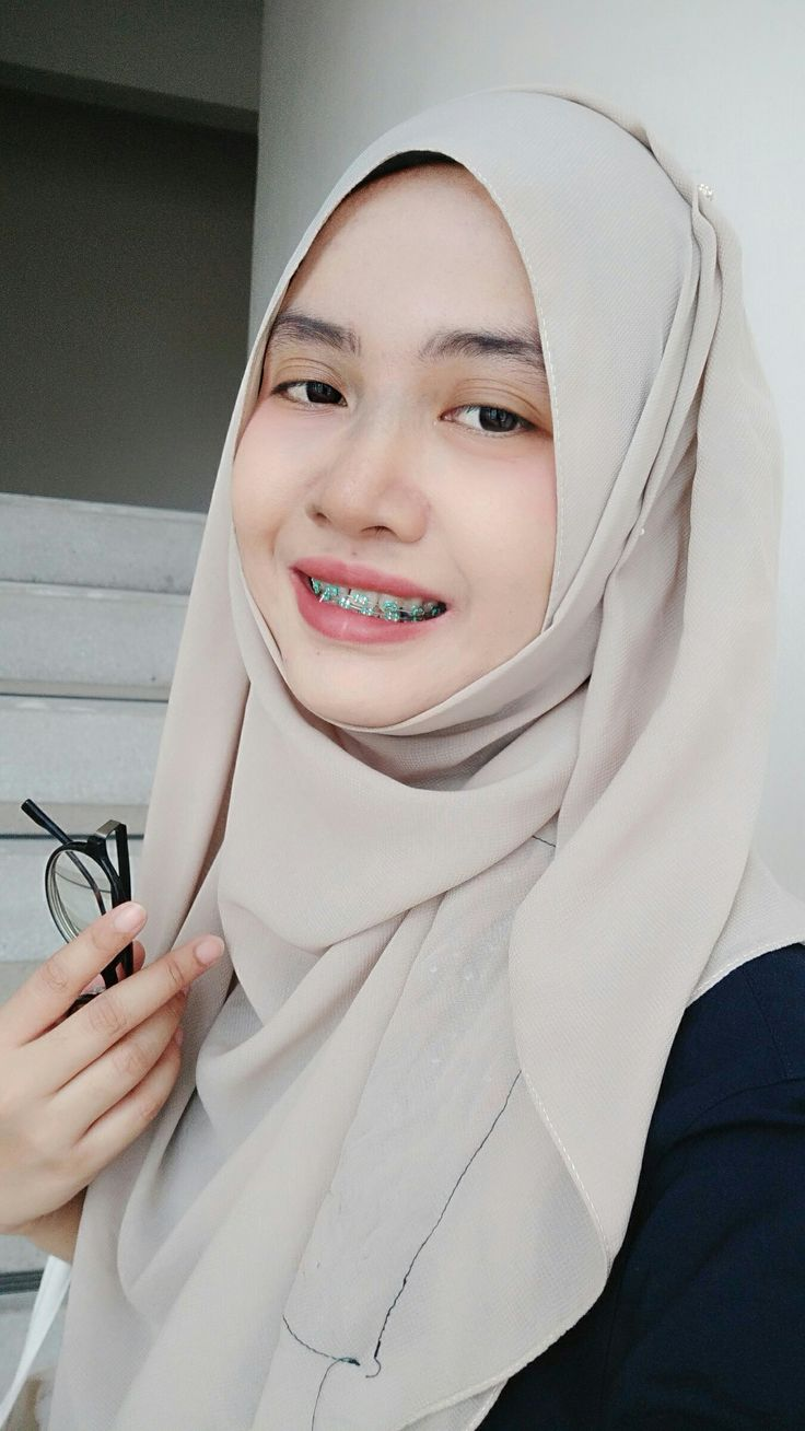 jerawat nya betah banget:(   Jerawat, Jilbab cantik, Wanita