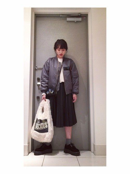 高橋愛トートバッグ「Casselini 【雑誌ar 10月号掲載アイテム】 フェイクファーSHOPPING BAG」穿搭