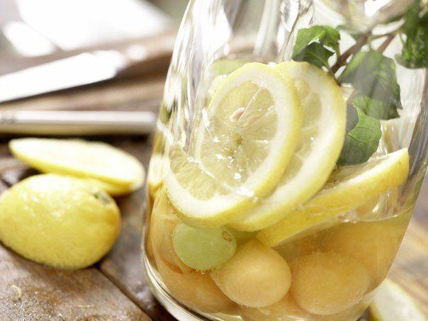 Белая сангрия с виноградом и дыней: Лучшие рецепты мира