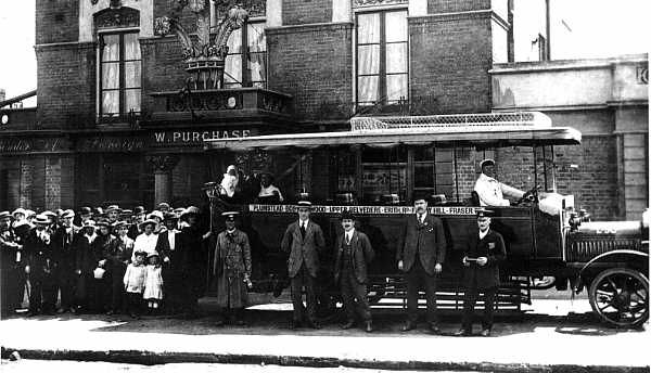 Plumstead 1916 - First day of LGOC Route                          111 at the The Plume of Feathers.