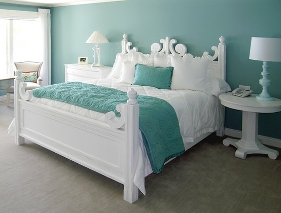 Lesley's bedroom - harlequin paint treatment
