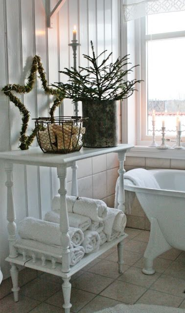 Shabby Chic Christmas Bathroom I love this bathroom! Reminds me of the home growing up in, both tubs had clawfeet. My sister and I passed by the home we grew up in (which was many years ago) the other day, it is TORE down!!! We just looked at each and just had to laugh!