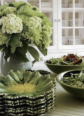 Spring/Summer luncheon. Like those leaf dishes. Shades of greenGreen Salad, Tables Sets, Leaf Dish, Green Plates, Architecture Interiors, Carolyn Roehm, Green Leafy, Floral Arrangements, Shades Of Green