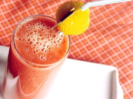 Suco de Goiaba - Veja mais em: http://www.cybercook.com.br/receita-de-suco-de-goiaba.html?codigo=10253