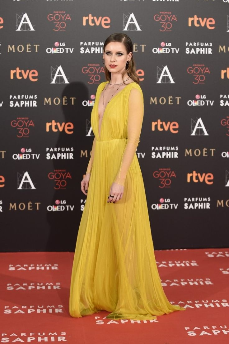 531 best red carpet images on pinterest red carpets tony award and red carpet dresses