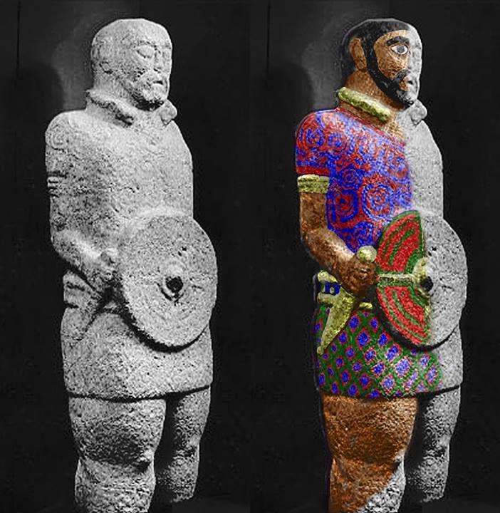 A escultura no mundo antigo contaba sempre con policromía e a celto-galaica e de supoñer que non sería una excepción. Aquí deixo un pequeño exemplo de como sería o xa famoso guerreiro nº2 de Outeiro de Lesenho (Boticas) con cores.