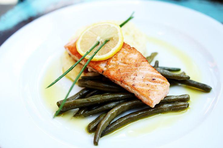 fot. masz.talerz | www.masztalerz.tu... | www.le-targ.com | #salmon #dinner #dinnertime #lunch #lunchtime #fish #healthy #tasty #amazing #delicious #letargbistro #restaurant #starybrowar #poznan #instafood #eating #cuisine #stary #browar #great #place #foodporn #instafood #food #foodgasm #french #bar #bistro