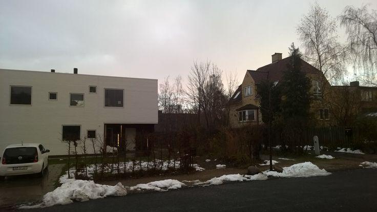 Det undrer mig at dette hus overhoved ikke passer ind med resten på vejen