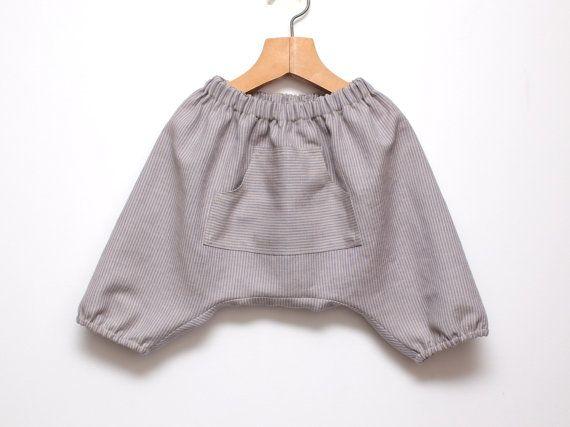 Outmeal stripe linen harem shorts Boys harem pants door ZanziBach