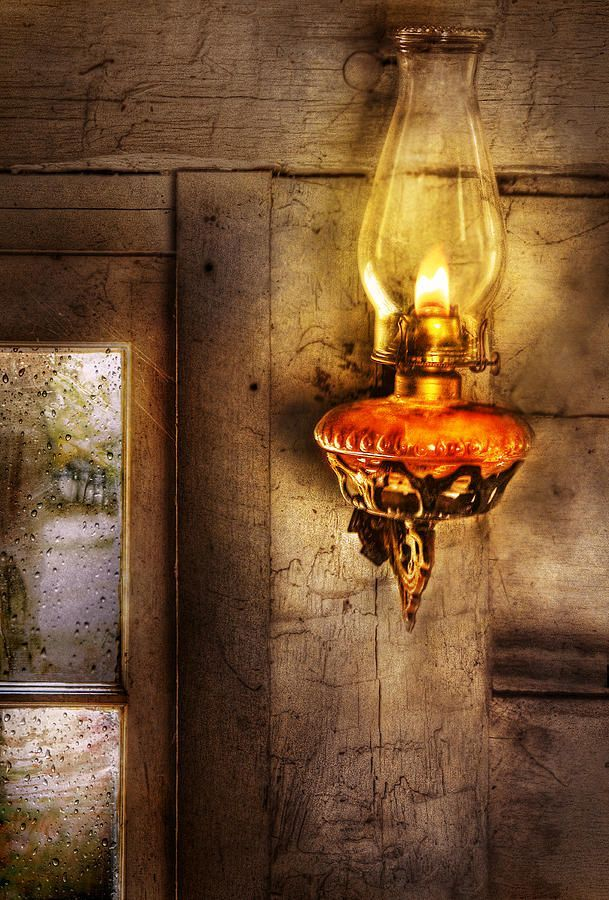 35 best images about old fashioned lamps on pinterest for Lights for paintings
