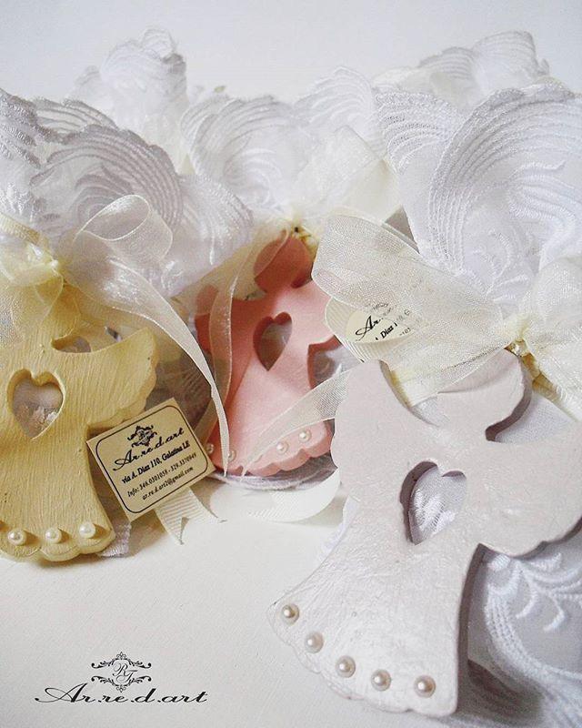 Le bomboniere di Giulia...angioletti in ceramica realizzati a mano nei colori pastello e sacchettini in merletto  #arredart #bomboniere #bomboniera #favors #comunione #angioletto #angel #lace #cresima #cerimonia #confetti #tulle #nastri #artigianato #artigianale #ceramica #wedding #madeinitaly #madeinsalento #negozio #galatina #statigram #instagood #photooftheday  #instalove