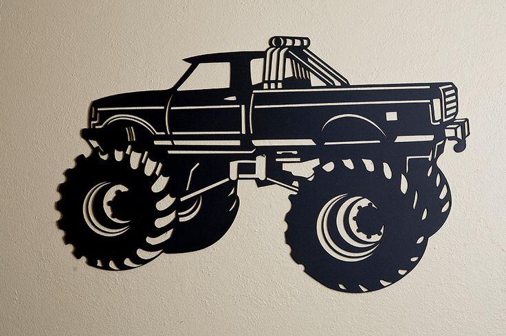 Notre énorme Monster Truck 4x4 est conçu et fait à la main par 03.2002 Metal Works. Nous avons choisi lacier de calibre 14 lourd recyclé. Le monstre est peint avec deux couches dacrylique noir mat. Cette sculpture peut être affichée à lintérieur ou dehors, sur une étagère ou laccrocher à un mur. Le Monster Truck mesure 24 pouces de large par 15 pouces de haut.    Merci de visiter notre boutique etsy !    Commentaires de nos clients incroyables.    Annie dit :  Je suis plus que satisfait de…