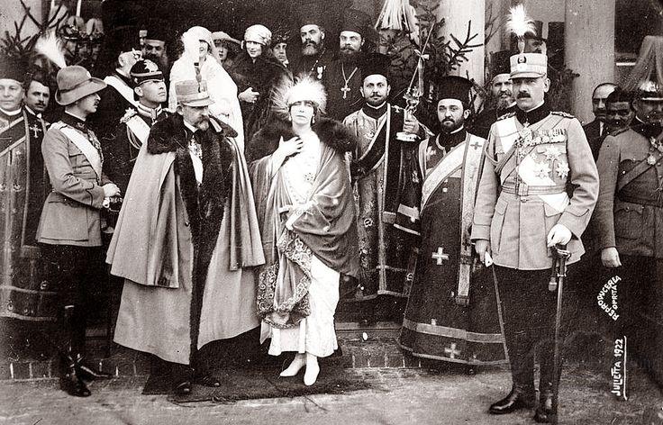 Regele Ferdinand, regina Maria şi prinţul Carol. 1922.