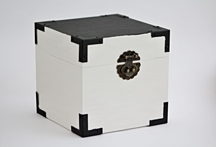 OCT: Wooden box hand painted white big