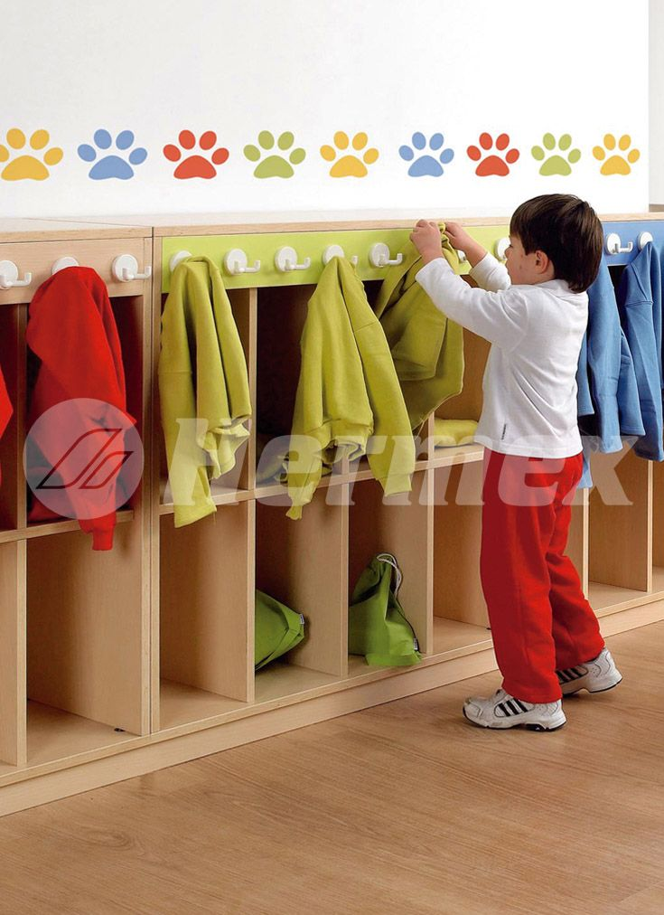 39 best images about estantes infantiles on pinterest for Colgadores de pared