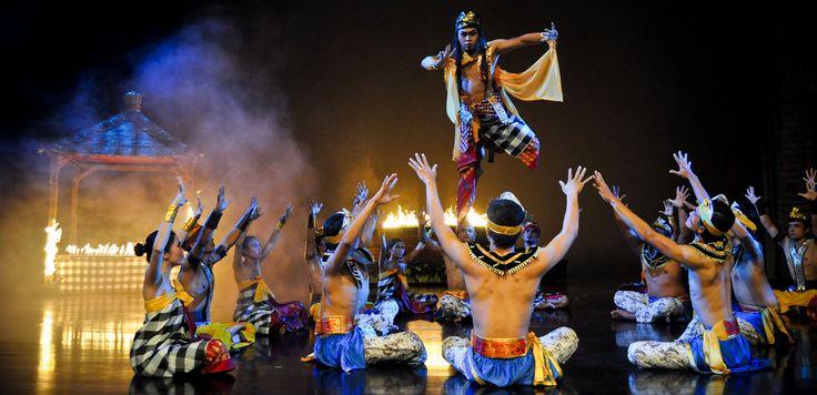 Devdan Show - 7 Objek Wisata di Bali Untuk Anak-anak dan Keluarga