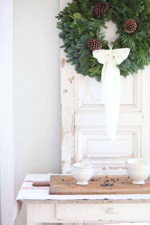 199 best Christmas Wreath images on Pinterest | Christmas decor ...
