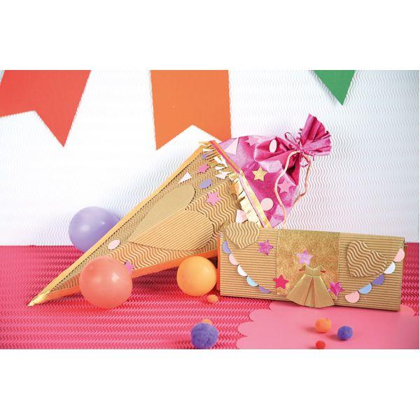 Kreatywne opakowanie prezentu. http://www.mojebambino.pl/ozdobne-papiery-tektury-bibuly/283-bezowa-tektura-falista.html