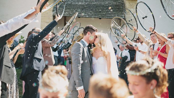 The best bicycle themed weddings, to give your magical day a special touch.