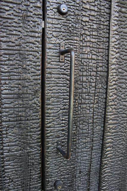 Charred wood door - shou-sugi-ban method (blowtorch) - Uno Tomoaki