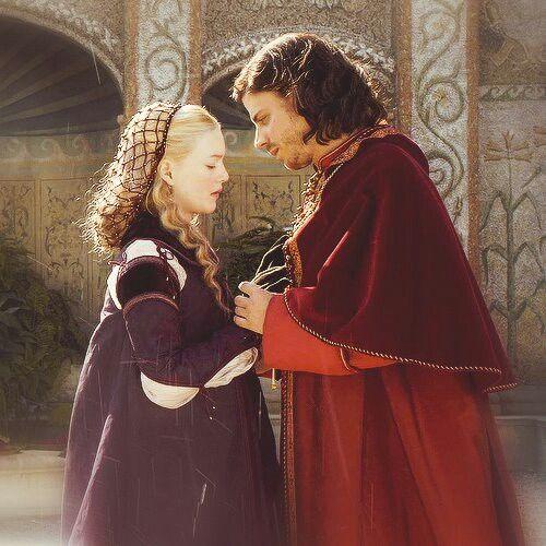 Holliday Grainger and François Arnaud as Lucrezia & Cesare Borgia in The Borgias 1st season. (pic is not mine)
