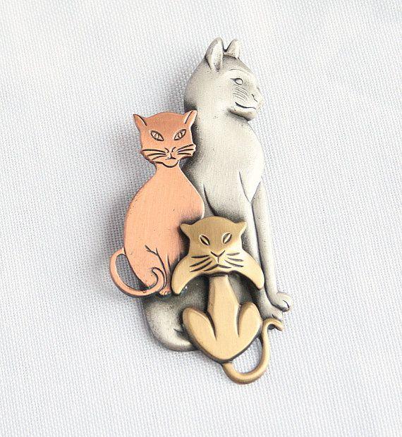 Vintage Cats Figural Brooch Pin 3 Cats by CamanoIslandVintage