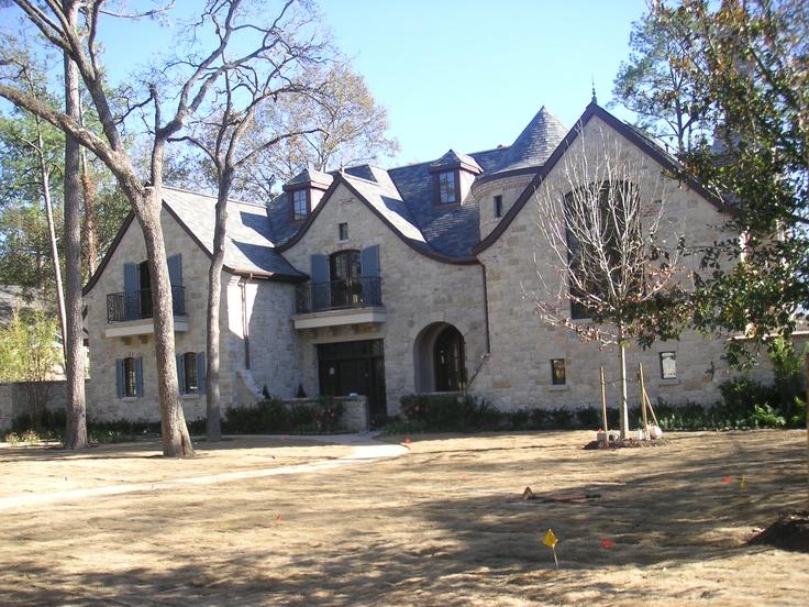 Residence Designed By Robert Dame In Houston, Texas
