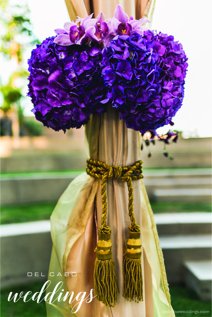 Amazing purple flowers for your special day! Visit our board to get more glam weddings ideas for that sparkling day!