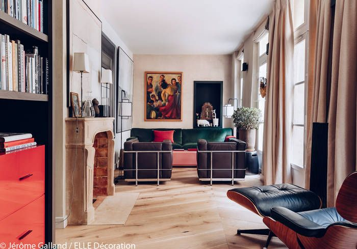Un salon coloré - Un ancien garage transformé en maison cosy - Elle Décoration