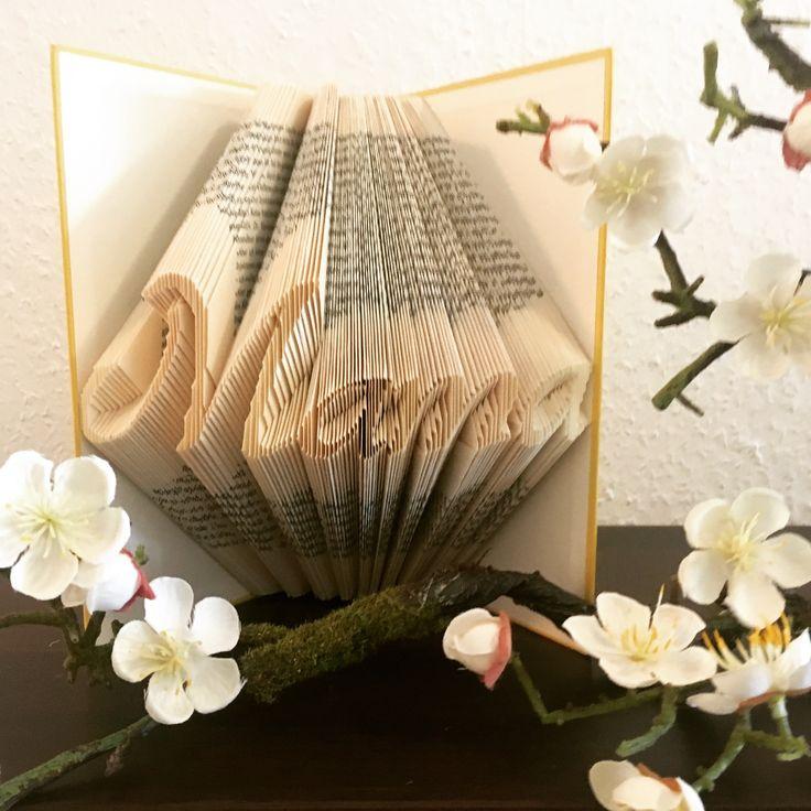 Buchfaltkunst Buchkunst Bücher Faltasterei Buch gefaltetes Buch gefaltete Bücher falten Mama Muttertag Geschenk zum Muttertag Muttertagsgeschenk Geschenkidee Geschenk