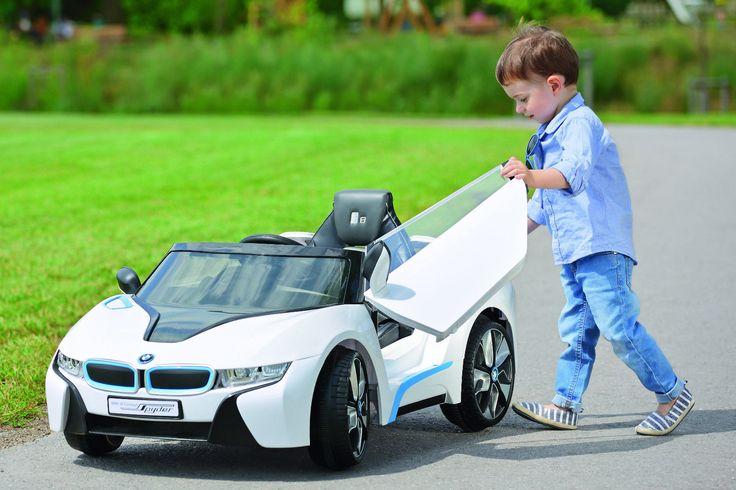 NUOVA SUL MERCATO CON LICENZA BMW  con Radiocomando parentale BMW ie Concept  con un look esclusivo,  logo BMW, materiali di alta qualità Trazione sulle 2 ruote posteriori, Motore - 2 x 35w/12V, batteria da 12V, velocità: 3-6 kmh, carico massimo fino a 30kg