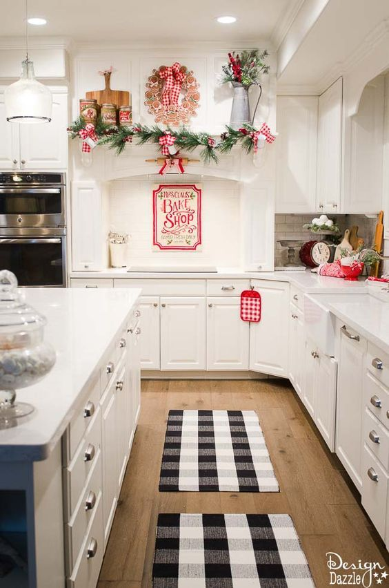 Best 25 Christmas Kitchen Decorations Ideas Only On Pinterest Xmas Farmhouse And
