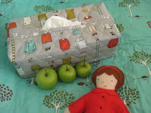 "FREE project: ""Quilted Tissue Box Cover"" (from Comfortstitching by Aneela Hoey)"