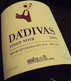 WEB LUXO - Bebidas: Dádivas Pinot brasileiro superou franceses, chilenos e argentinos