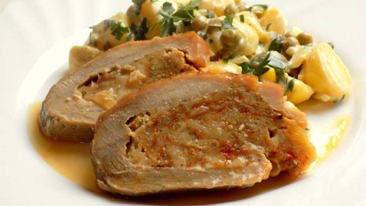 Vepřová kýta plněná masovou fáší se sýrem, lehký bramborový salát | Vaření s Tomem