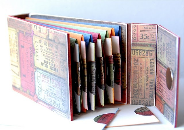 Great tutorial to make an accordion book! Great idea to take on vacation and store items from each day.