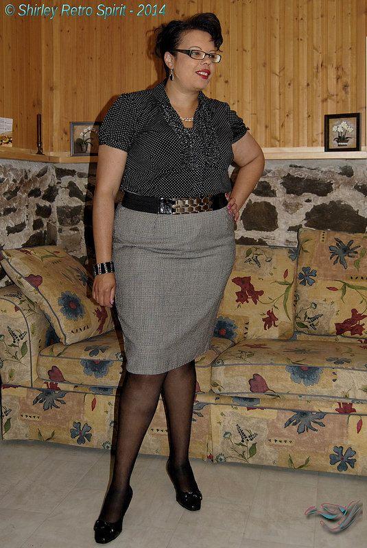 Gingham skirt & dots ruffled blouse