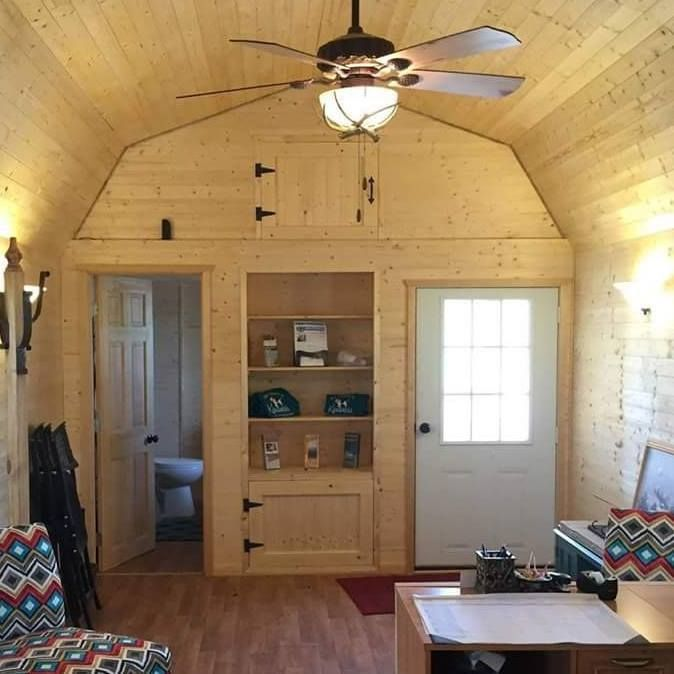 Custom Interior Of A Graceland Lofted Barn Cabin In 2019