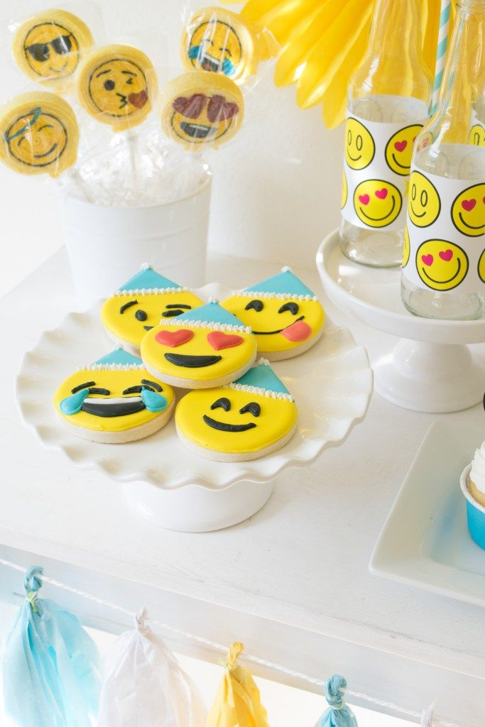 Host A Fabulous Emoji Birthday Party